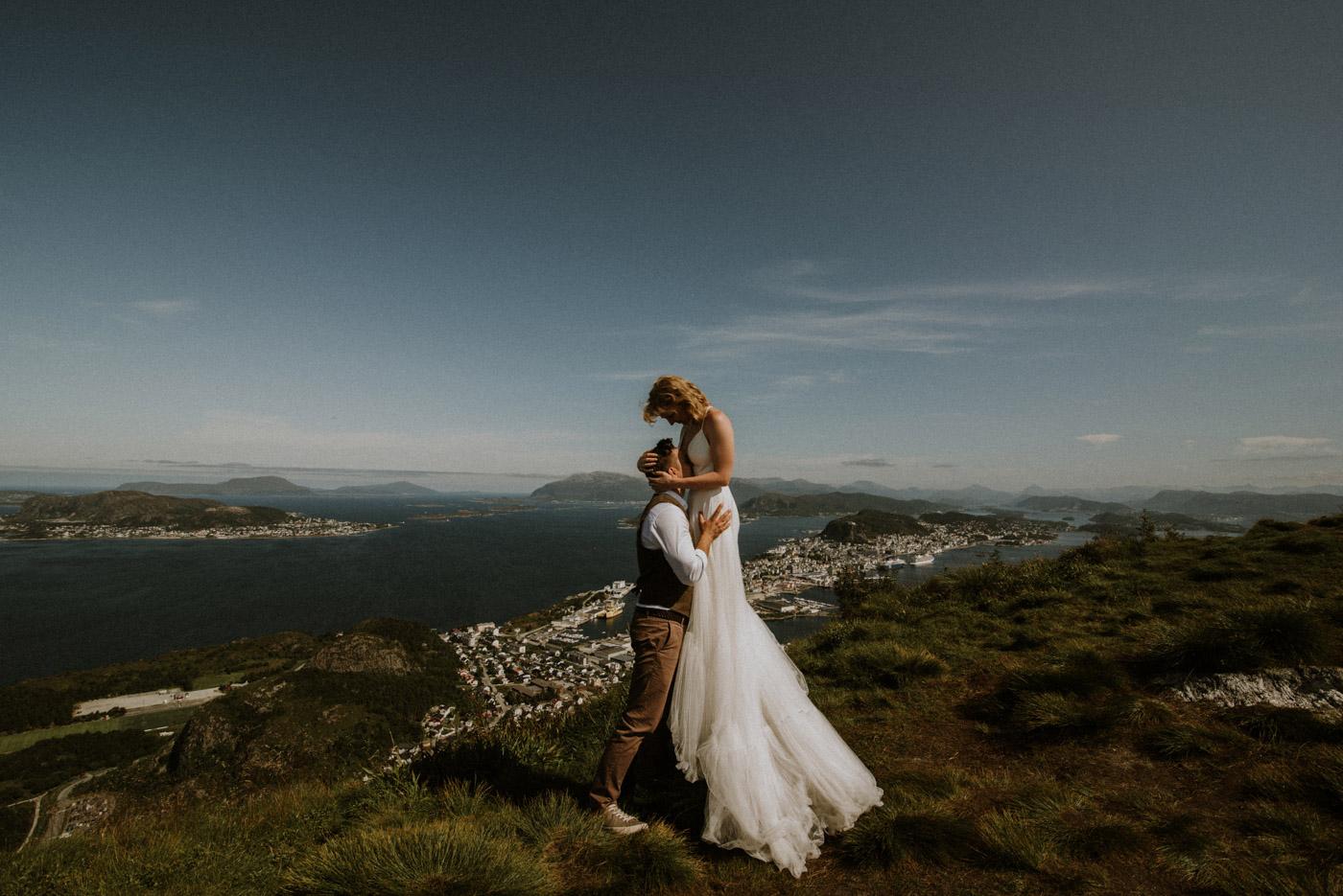 Norway elopement photographer 34