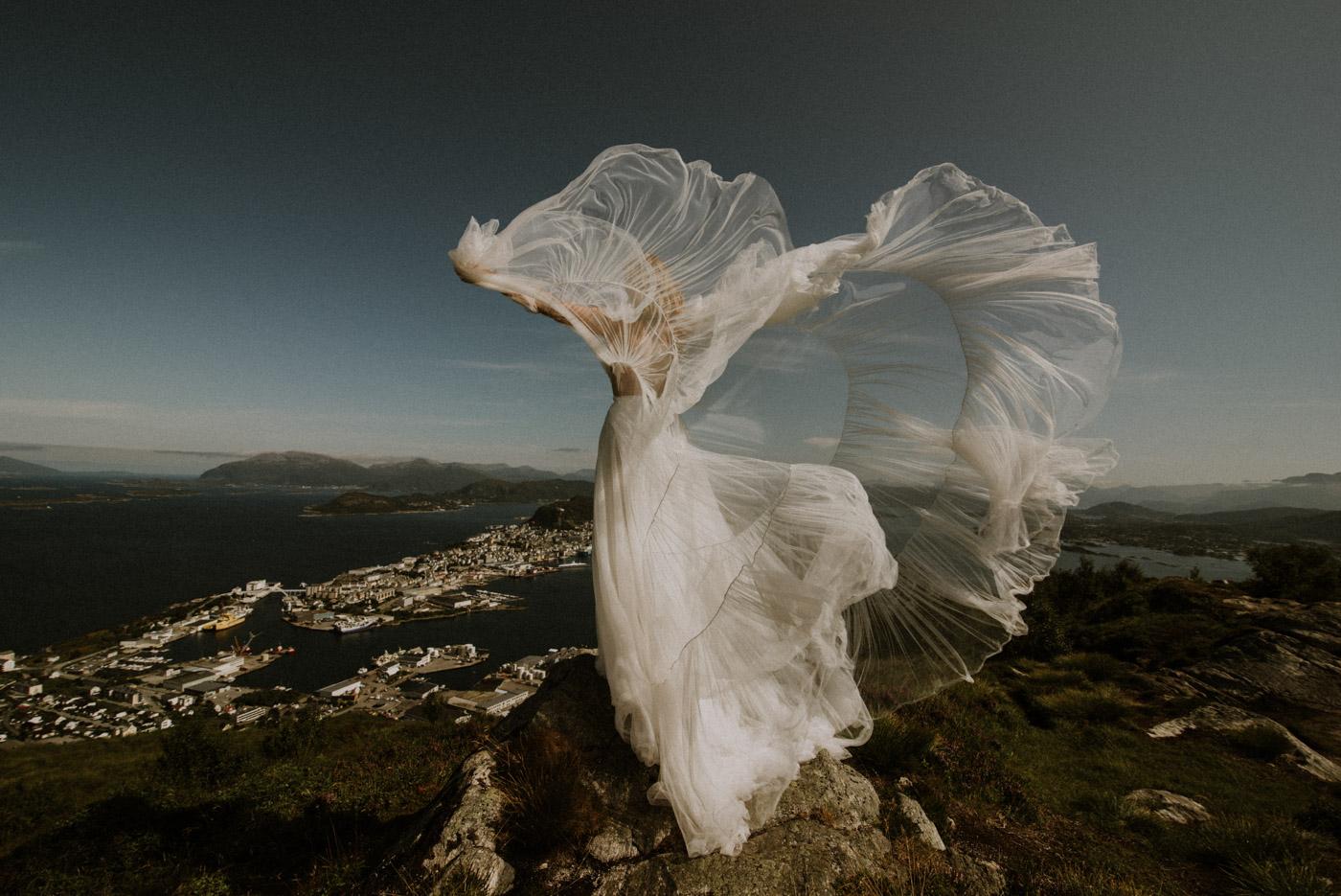 Norway elopement photographer 45