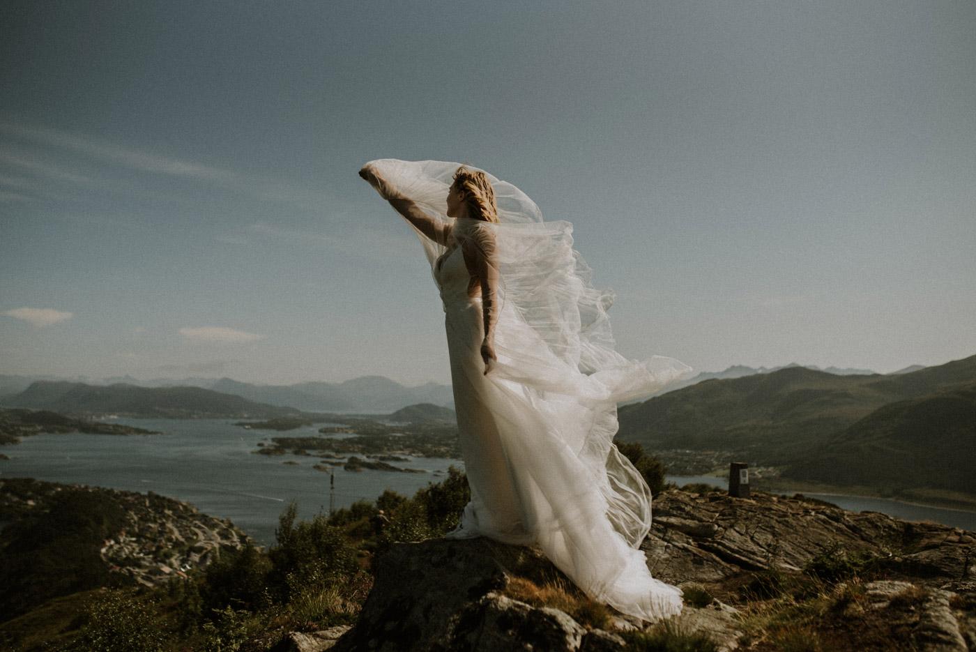 Norway elopement photographer 47