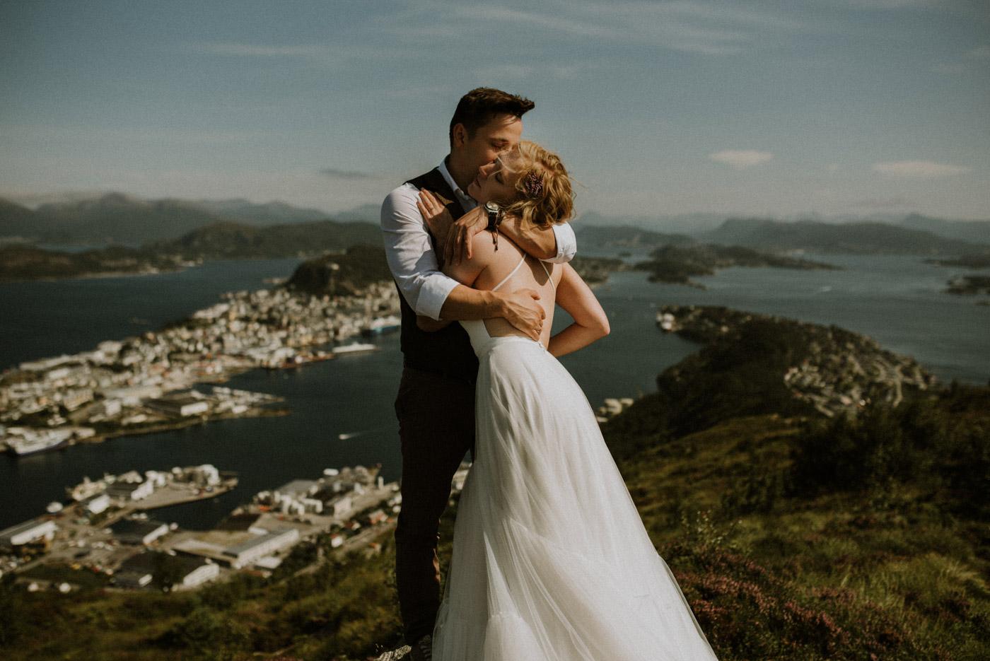 Norway elopement photographer 55