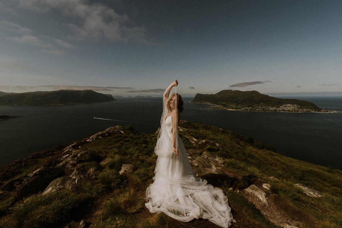 Norway elopement photographer 15