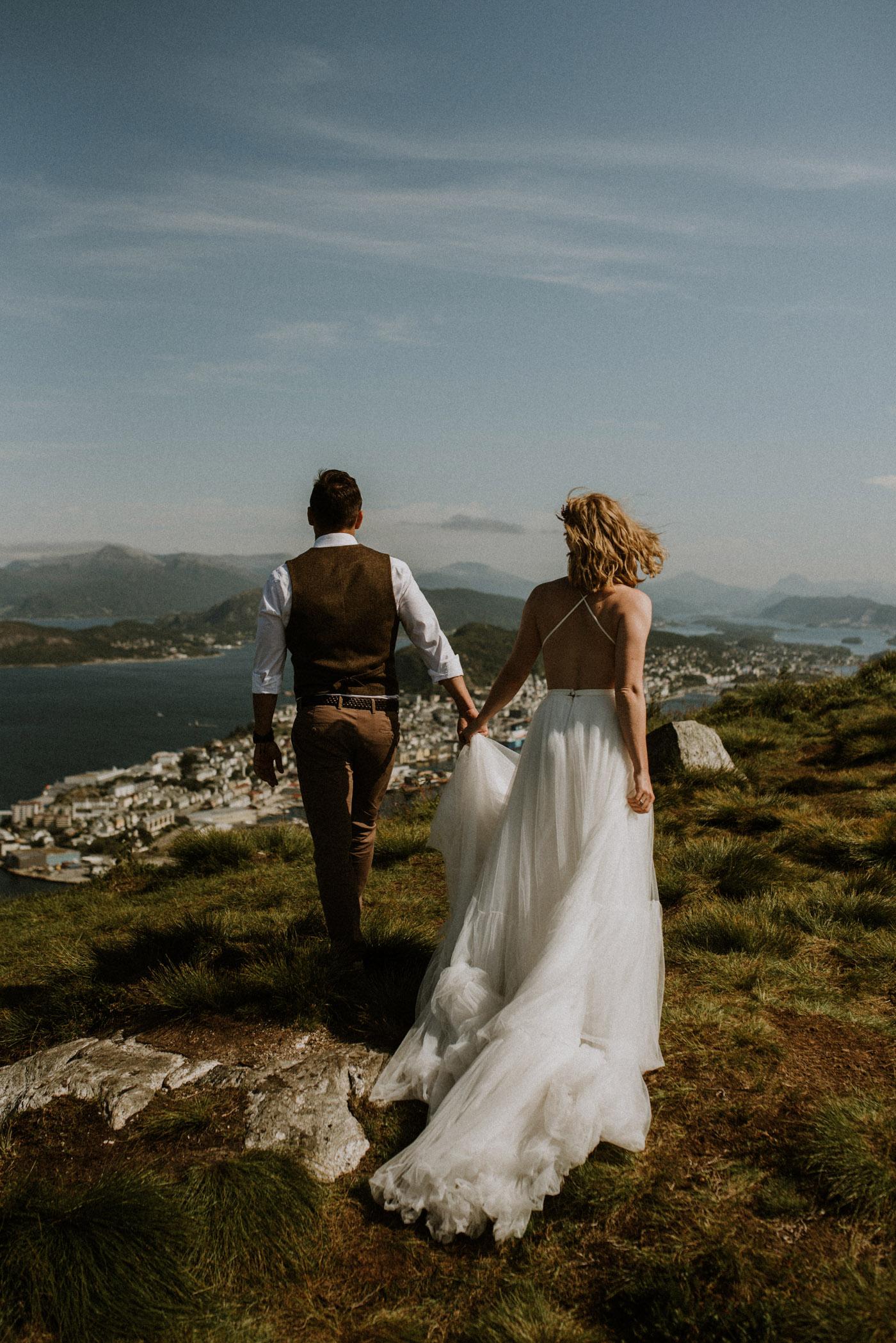 Norway elopement photographer 33