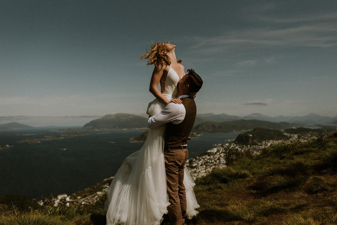 Norway elopement photographer 41