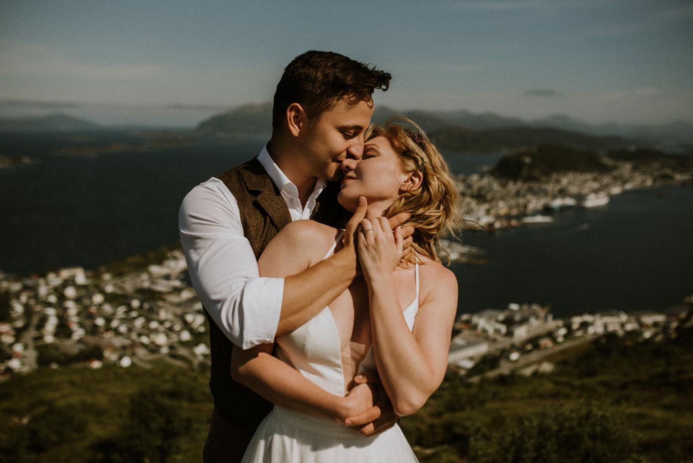 Norway elopement photographer 56